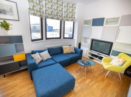 Fotos de Hotel: 5* Modern City Centre Apartment - sleeps 4