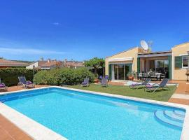 Hotel fotografie: Torre Soli Nou Villa Sleeps 7 Pool Air Con WiFi
