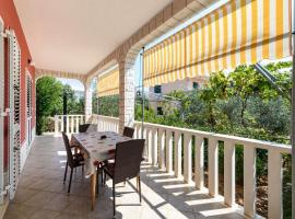 Hotel photo: Holiday home VesnaD