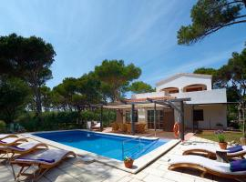 Hotel photo: Cala Morell Villa Sleeps 10 Pool WiFi