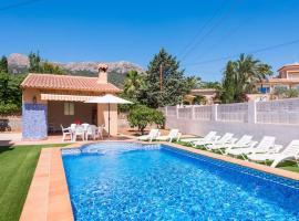 Hotel photo: Calpe Villa Sleeps 8 Pool Air Con WiFi