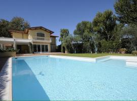 होटल की एक तस्वीर: Villa Dalmazia