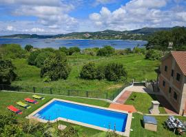 Hotel photo: Aldan Villa Sleeps 12 Pool WiFi