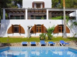 Hotel photo: Cala d'Or Villa Sleeps 10 Pool WiFi