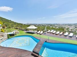 Фотография гостиницы: Ibiza Town Villa Sleeps 12 Pool Air Con WiFi