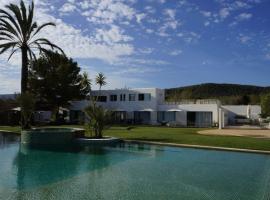 Hotel fotografie: San Jose Villa Sleeps 10 Pool Air Con WiFi