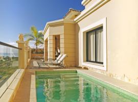 Hotel photo: La Caleta Villa Sleeps 4 Pool WiFi