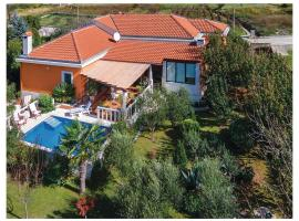 ホテル写真: Holiday home Bilaje Croatia