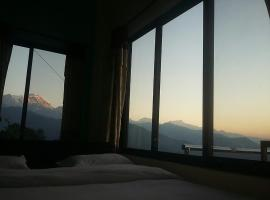 A picture of the hotel: Himalayan crown lodge