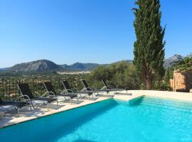 Hotel Photo: Pollenca Villa Sleeps 6 Pool Air Con WiFi