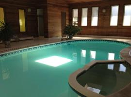 Hotel Foto: Guesthouse with indoor pool