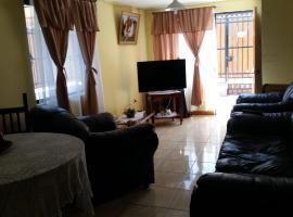 A picture of the hotel: La Casa de Taty