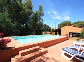 Hotel photo: Frejus Villa Sleeps 6 Pool