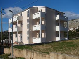 Hotel photo: Seget Vranjica Apartment Sleeps 4