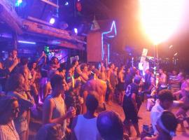 Hotel photo: Blanco Beach Bar Koh Phi Phi