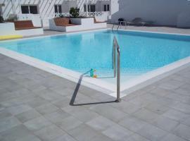 Hotel kuvat: Playa Honda Villa Sleeps 4 Pool WiFi