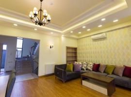Hotel photo: Luxury house at Shiraz Street