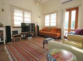 Hotel photo: Beautiful Jaffa Space