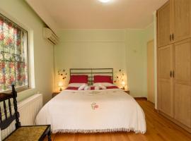 """酒店照片: """"Sunny Reflections"""" Sea and City apartment in Athens"""