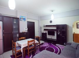 Hotel Photo: Colorful family apt, Metropolitan hospital, Faliro