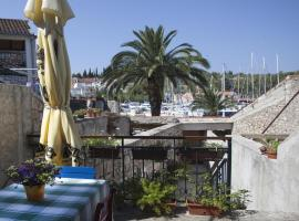 Hotel Photo: Milna Apartment Sleeps 4