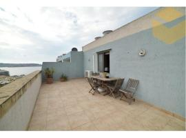 Foto di Hotel: 2 bedroom penthouse in the heart of qawra