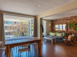 Hotel photo: 2 Bedroom Apartment in Tamboerskloof Cape Town