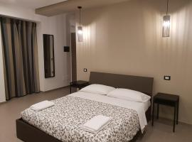Hotel photo: 4 Porte Essential Suites