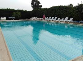 Hotel photo: River Beach - 2 Bed Apartment with large Terrace