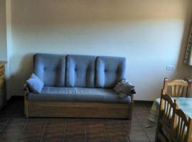 Hotel photo: apartment with one bedroom in guadalaviar, with wonderful mountain view, terr...