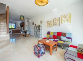 Hotel photo: Kolderen Coral Bay 6