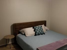 Hotel photo: Superb Location & 3 King Beds