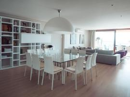 Фотографія готелю: Luxury sea view Apartment in Puerto de Alcudia