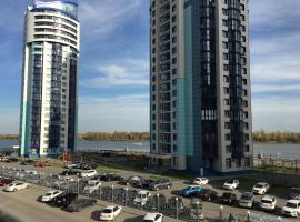 A picture of the hotel: Уютная квартира в новом доме с видом на реку и WiFi