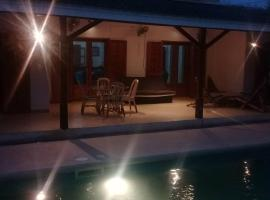 Hotel photo: Villa 1000 Fleurs de Warang