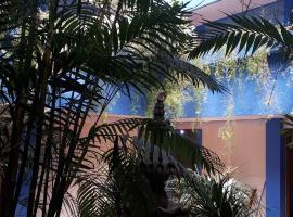 Hotel Photo: hotel kasa kamelot 2