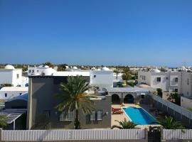 Hotel photo: Villa avec piscine proche de la mer sur Djerba (Tunisie)