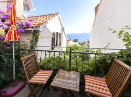 Hotel photo: Apartment in Bol with sea view, balcony, air conditioning, Wi-Fi (4203-2)
