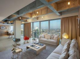 Hotel photo: Shalom by HolyGuest - Outstanding 32nd floor 1BR w stunning view - Rothschild