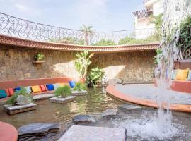 מלון צילום: Quiet Cabo Villa + Pool + Private Outdoor Space