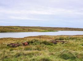 صور الفندق: Lochside Cottage, Isle of North Uist