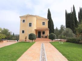 Foto di Hotel: Captain's Countryside Villa for up to 9 visitors