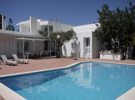Hotel fotografie: Can Furnet Villa Sleeps 6 Pool WiFi