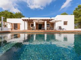 Hotel photo: Santa Gertrudis Villa Sleeps 5 Pool Air Con WiFi