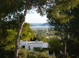 Hotel fotoğraf: Playa d'en Bossa Villa Sleeps 8 Pool Air Con WiFi
