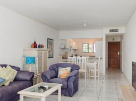 Hotel photo: La Pirogue 35