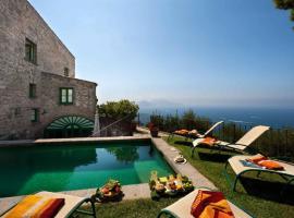 Hình ảnh khách sạn: Sorrento Villa Sleeps 11 Pool Air Con WiFi