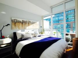 A picture of the hotel: Stylish Modern Condo in Old Toronto