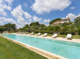 Hotel photo: Manciano Villa Sleeps 13 Pool Air Con WiFi