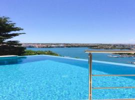 Hotel foto: Cala Llonga Villa Sleeps 6 Pool Air Con WiFi